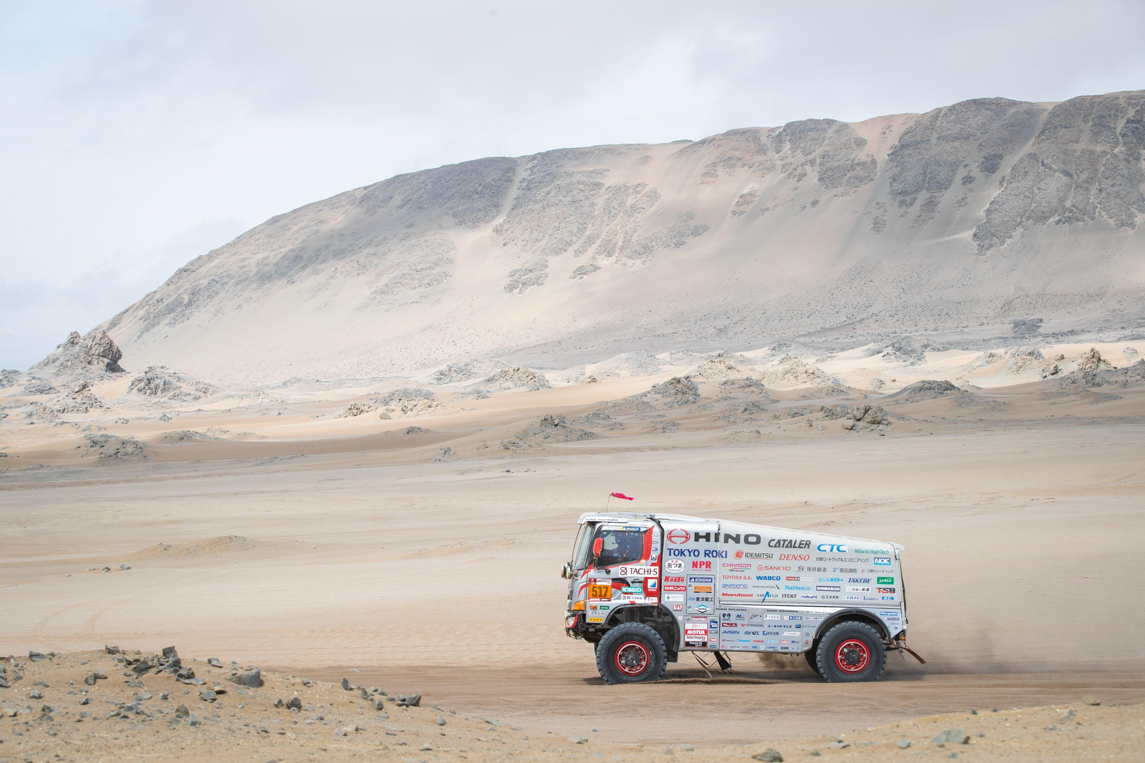 [DAY 10: Stage 8] Car 2 Climbs to 8th Position Despite Being Stuck. Car 1 Is On Course in the Semi-Marathon.